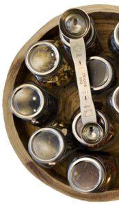 Afbeelding van losse thee in potjes